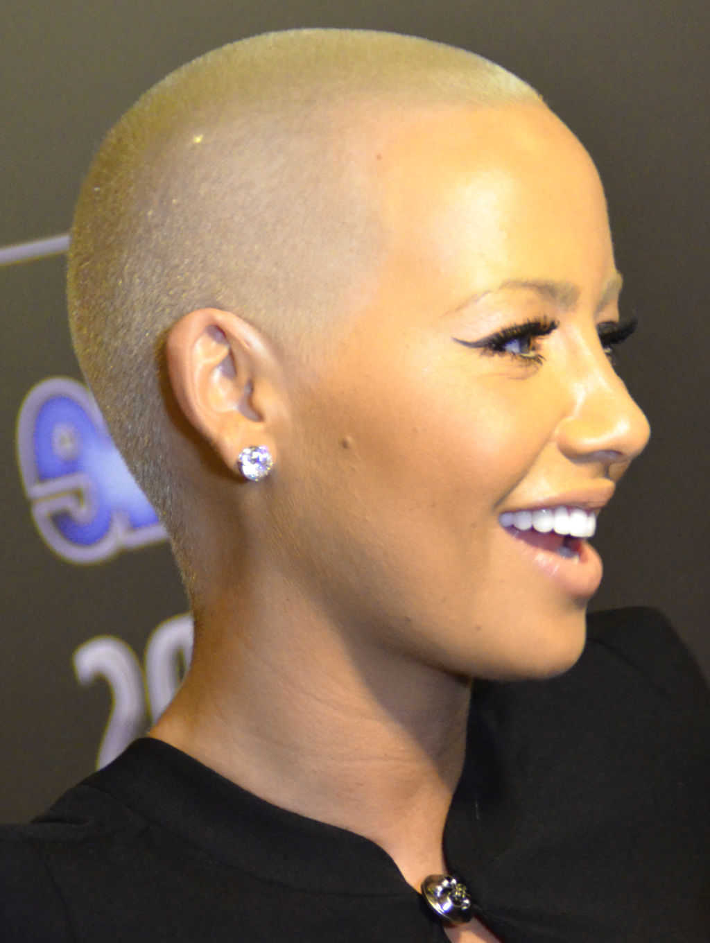 Superb Amber Rose New Hairstyle My Real Style Short Hairstyles Gunalazisus