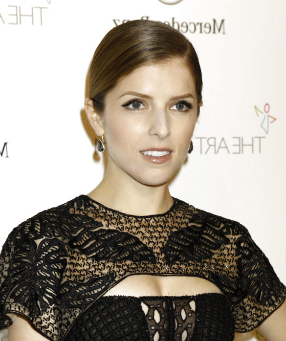 Anna Kendrick New Hairstyle