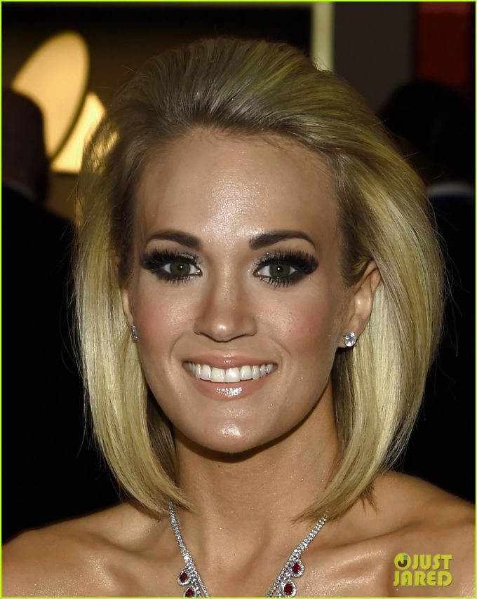 carrie underwood new haircut grammys 2016