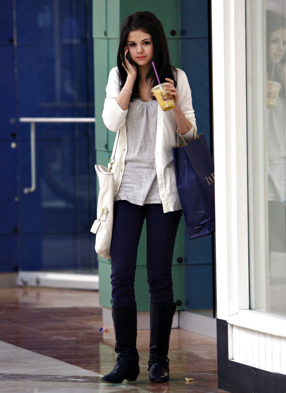 Selena Gomez Street Style Fashion My Real Style