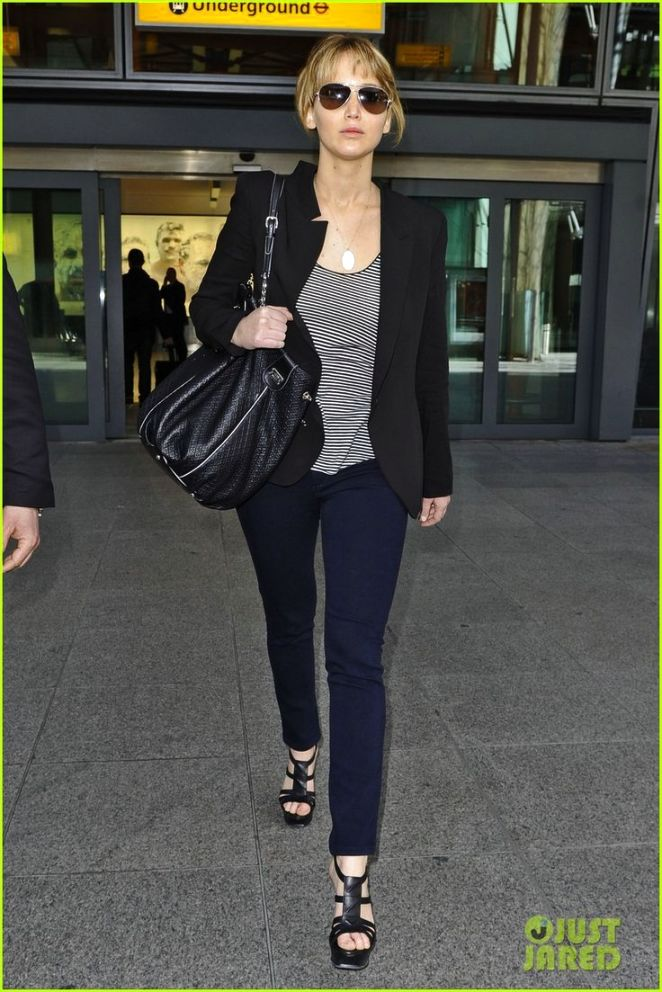 Jennifer Lawrence Street Style Fashion