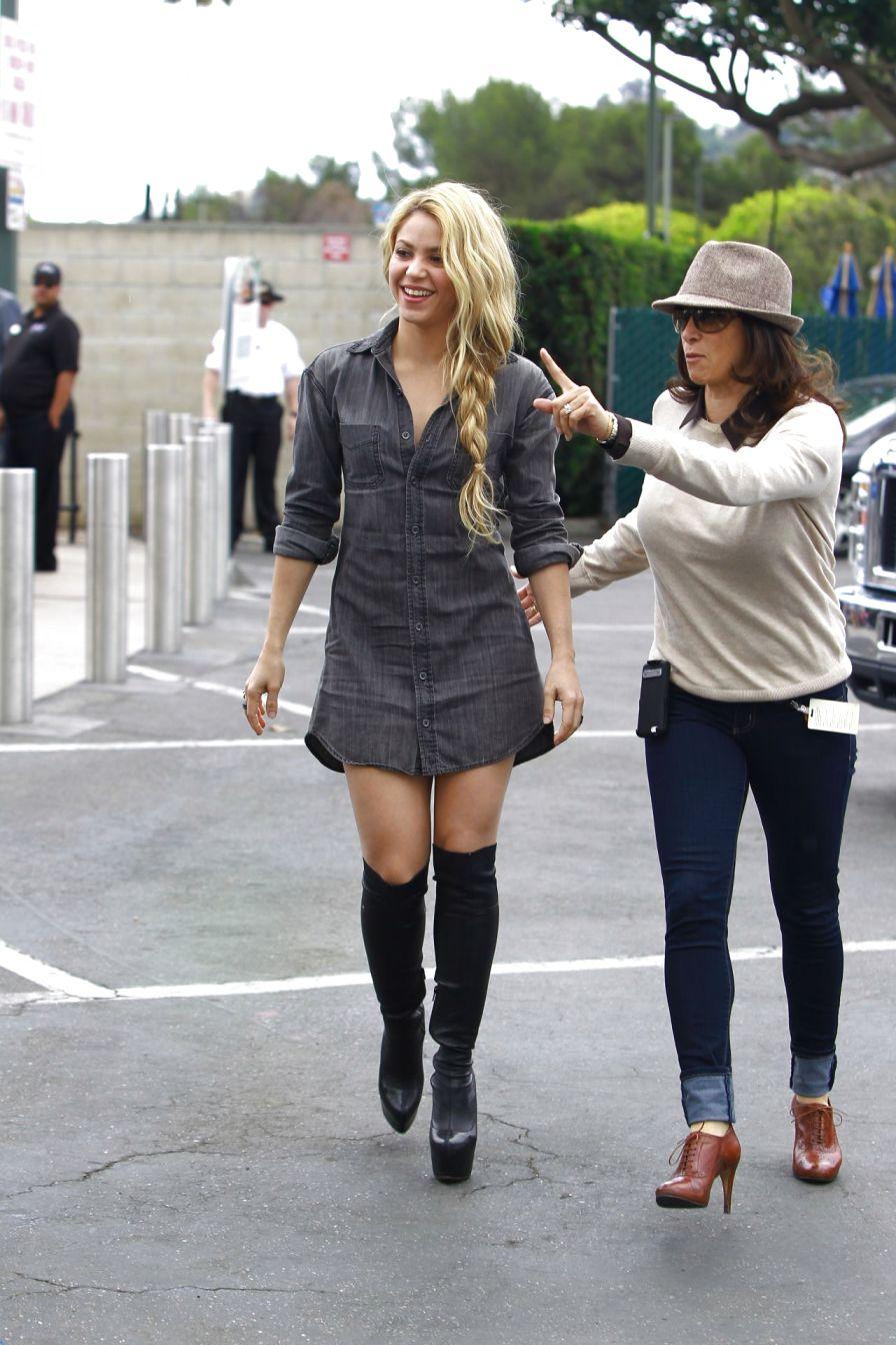 Shakira Street Style Fashion - My Real Style