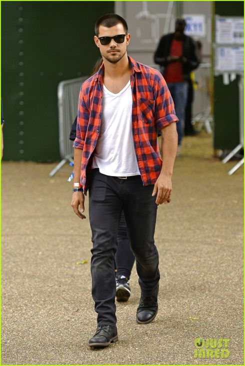 Taylor lautner fashion style 11